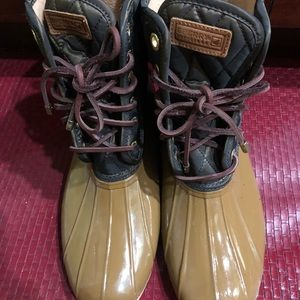 Sperry top sider rubber upped quilted tan boots 10